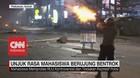 VIDEO: Demo Makassar, Mahasiswa dan Polisi Saling Serang