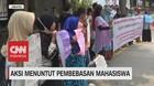 VIDEO: Emak-Emak Indonesia Demo Tuntut Pembebasan Mahasiswa