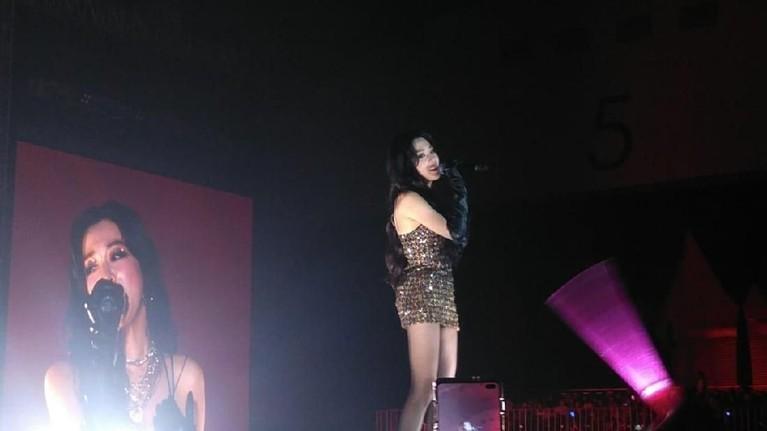 Tiffany Young jadi salah satu artis Korea yang tampil di Super K-Pop Festival 2019.