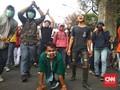 Polisi Tembakkan Gas Air Mata, Massa Kocar-kacir ke Palmerah
