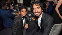 <p>Vatel juga dekat dengan anak-anak. Sudah cocok jadi ayah ya? He-he-he.(Foto: Instagram/ @delvatelprecious)</p>