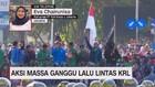VIDEO: Aksi Massa Ganggu Lalu Lintas KRL