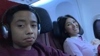 <p>Wah, mau terbang ke mana nih Bunda Sarwendah dan Betrand? (Foto: Instagram @betrandpetoputraonsu)</p>