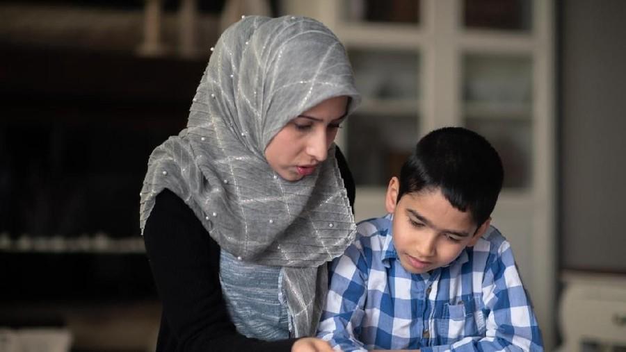 Pendidikan Seksual Menurut Islam untuk Anak, Seperti Apa Bunda?