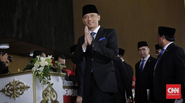 Waketum Partai Demokrat Syariefuddin Hasan mengatakan jika diminta oleh Jokowi-Ma'ruf, Agus Harimurti Yudhoyono siap untuk menjadi menteri.