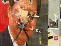 VIDEO: Warga Hong Kong Lempar Telur ke Poster Presiden China