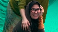 <p>Saat Nicky menggelar konser bertajuk 'Terus Berlari' di Balai Sarbini, Jakarta, 23 Agustus lalu, Rieta sangat <em>support</em> dan hadir menyaksikan langsung. Ibu mertua Raffi Ahmad ini bahkan mengajak Rafathar sang cucu. (Foto: Instagram @rieta_amilia)</p>