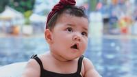 <p>Freya sering disebut netizen sebagai keponakan online mereka. Tak hanya cantik, tingkah laku Freya juga lucu dan menggemaskan. (Foto: Instagram @dwihandaanda)</p>