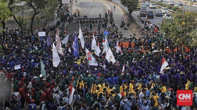 Badan Eksekutif Mahasiswa Seluruh Indonesia (BEM SI) membantah akan mengadakan aksi unjuk rasa pada Senin 14 Oktober 2019 di depan gedung DPR Jakarta.
