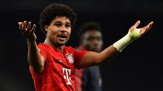 Akun Twitter winger Bayern Munchen, Serge Gnabry, diserbu netizen lantaran unggahannya yang diduga menyindir rivalitas Tottenham Hotspur dan Arsenal.