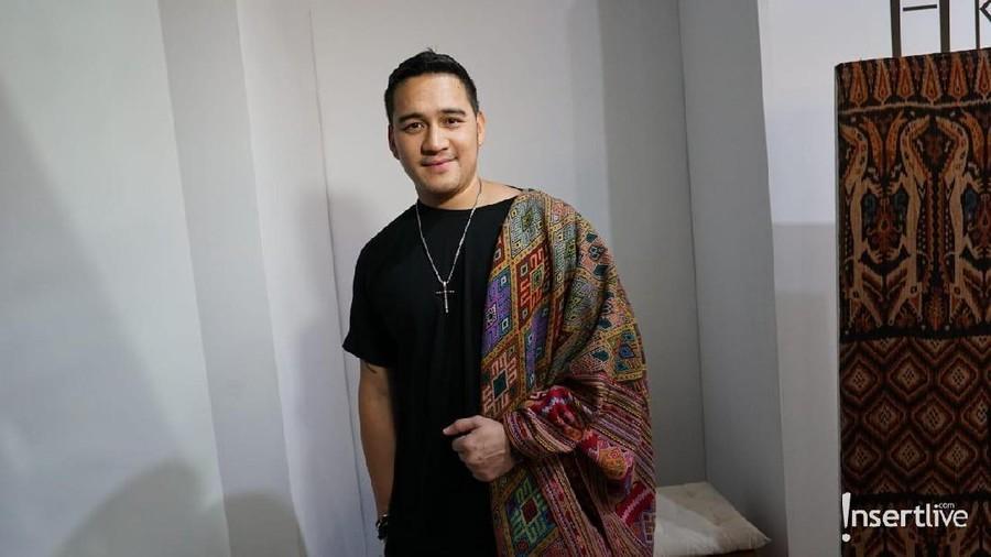 Deretan Artis Indonesia Tunjukan Rasa Bangga di Hari Batik Nasional
