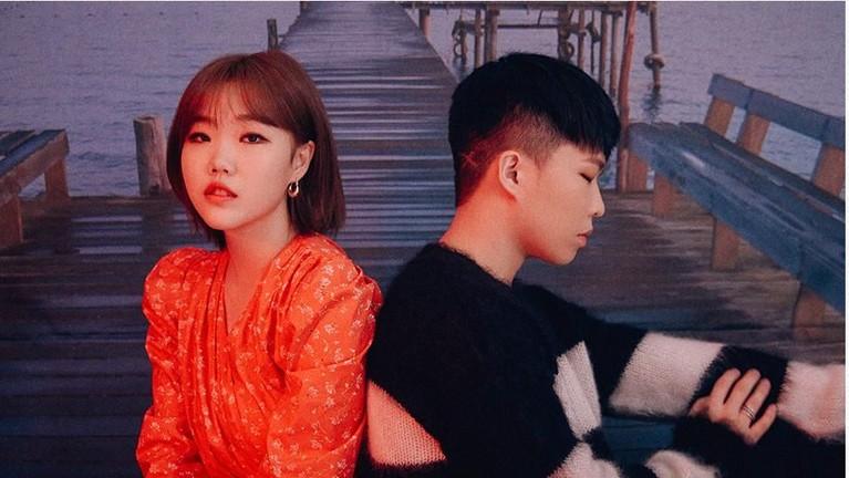 AKMU juga akan tampil di hari pertama Follow Gyeonggi K-Culture Festa 2019. Duo yang terdiri dari adik kakak ini akan menghibur penonton dengan lagu-lagu andalan mereka.