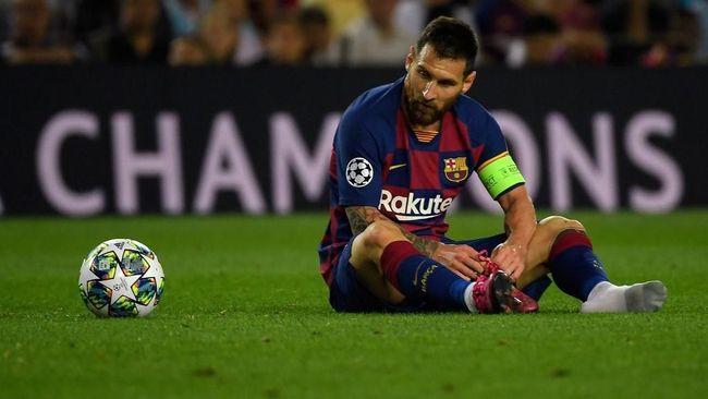 Lionel Messi menjawab sindiran Cristiano Ronaldo yang menyebut La Pulga tak berani meninggalkan Barcelona.