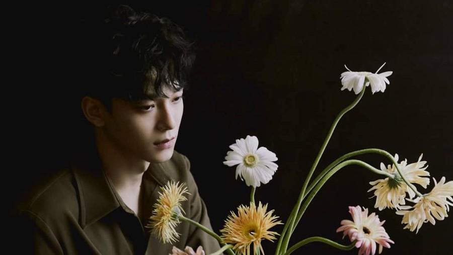 5 Tanda dari Masa Lalu Chen EXO Sudah Lama Punya Pacar