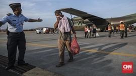 FOTO : Pengungsi Wamena Transit di Halim Perdanakusuma