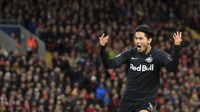 Pemain asal Korea Selatan, Hwang Hee-Chan dan Jepang, Takumi Minamino, bermain apik saat Salzburg kalah tipis dari Liverpool.