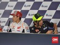 Marquez Yakin Rossi Belum Mau Pensiun dari MotoGP