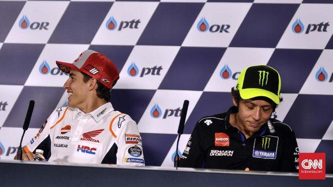 Marc Marquez  dan Valentino Rossi tak bersalaman maupun bertegur sapa, bahkan sama sekali tidak saling bicara pada konferensi pers. (CNN Indonesia/Ahmad Bachrain)