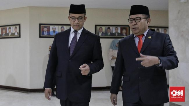 Gubernur DKI Anies Baswedan berharap pimpinan DPRD 2019-2024 yang telah ditetapkan segera mengebut kajian Raperda Tata Ruang dan nasib Wagub DKI.