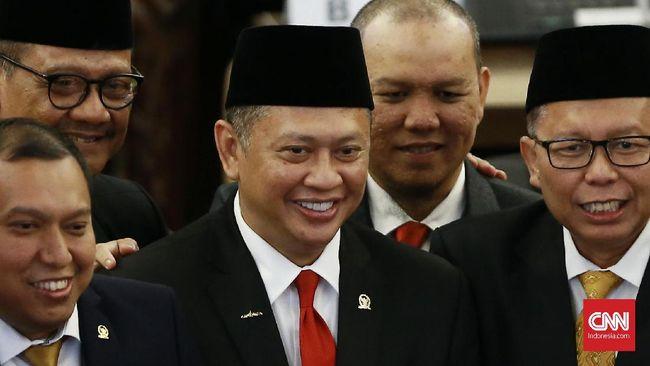 Bambang Soesatyo terpilih sebagai Ketua MPR periode 2019-2024, usai sebelumnya lima tahun menjabat Ketua DPR di periode sebelumnya.