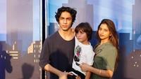 <p>Aryan juga memiliki seorang adik perempuan bernama Suhana dan adik laki-laki bernama, AbRam. (Foto: Instagram @iamsrk)</p>