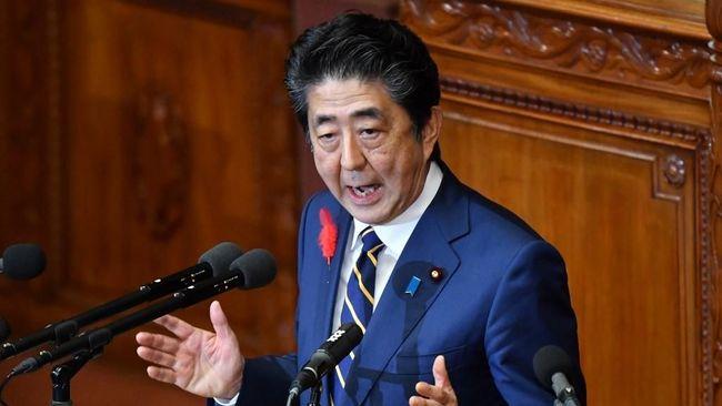 Korea Utara menyebut Perdana Menteri Jepang 'orang bodoh' dan berencana mengirim rudal balistik sungguhan.