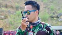 <p>Rendy yang disebut netizen anggota TNI ganteng ini merupakan perwira TNI AL berpangkat Lettu. (Foto: Instagram @rendymeidiyanto)</p>