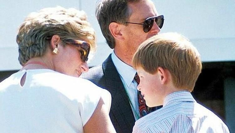 Percakapan terakhir Putri Diana lewat sambungan telepon, rupanya menyisakan penyesalan seumur hidup bagi putra bungsunya, Pangeran Harry.