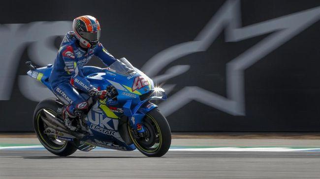 Spain's rider Alex Rins of the Suzuki Ecstar Team rides during the qualifying round of Thailand's MotoGP at the Chang International Circuit in Buriram, Thailand, Saturday, Oct. 5, 2019. (AP Photo/Gemunu Amarasinghe)
