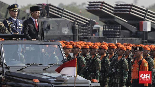 Wakil Ketua Komisi I DPR RI dari fraksi Demokrat menilai Jokowi akan dua kali melantik panglima, karena tiga kepala staf saat ini akan pensiun sebelum 2024.
