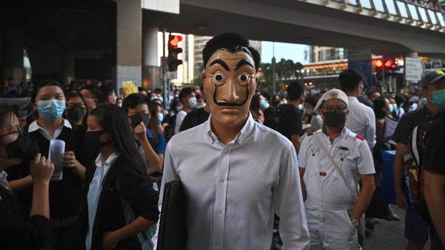 Pemerintah Hong Kong menginstruksikan semua sekolah dan kampus diliburkan sementara mulai Kamis (14/11) hingga sepekan kedepan.