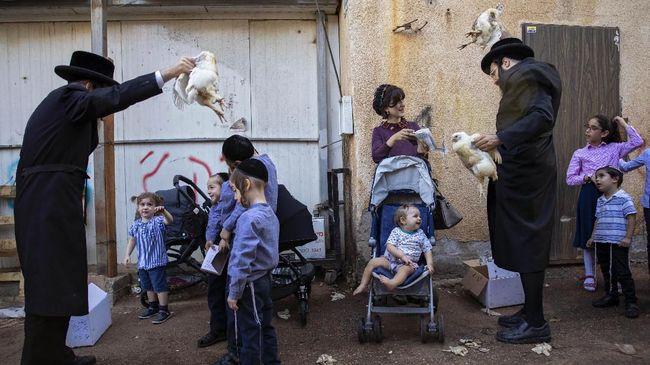 Seorang pelajar di sebuah sekolah dasar Yerusalem, Israel, terinfeksi Covid-19 dan menulari 25 orang guru.