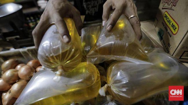 Harga cabai merah dan minyak goreng kompak naik. Kenaikannya mencapai 7,18 persen dan 3,53 persen.
