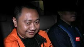 VIDEO: Bupati Lampung Utara Resmi Ditahan Penyidik KPK