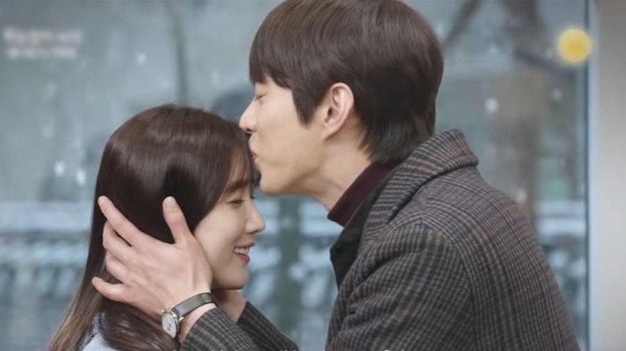 Drama Korea Left-Handed Wife Eps.9, Esther Singkirkan San Ha