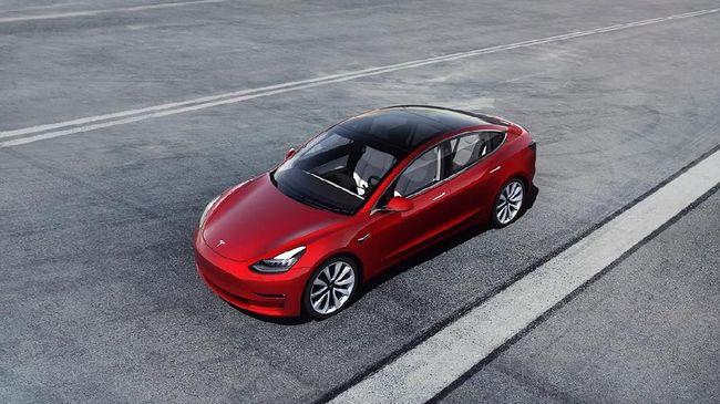 Importir Bongkar Pajak Yang Bikin Harga Tesla Capai Miliaran