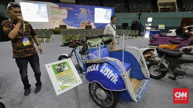 Masyarakat Ketenagalistrikan Indonesia (MKI) menggelar Seminar dan Pameran Hari Listrik Nasional ke-74 di Jakarta Convention Center (JCC), Rabu (9/10).