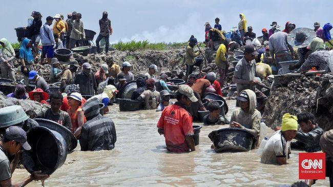 Perburuan harta karun oleh sejumlah warga di Ogan Komering Ilir sudah dilakukan sejak belasan tahun lalu, sebelum ramai penemuan oleh Badan Arkeologi Nasional.