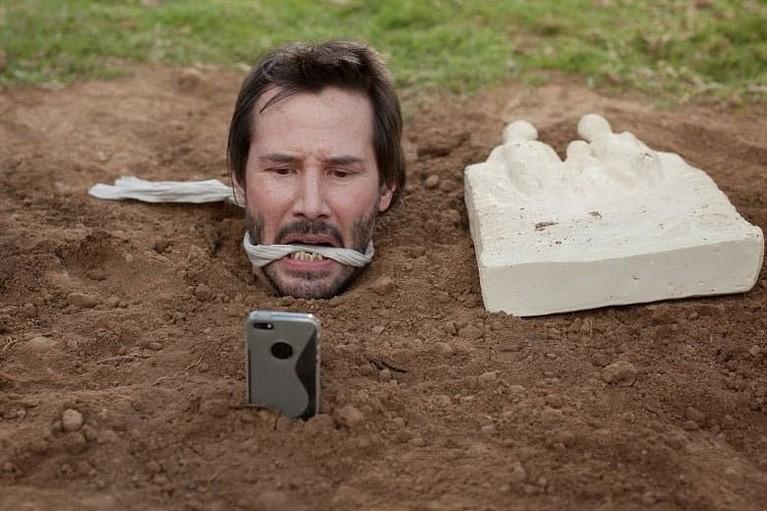 Bagaimana kah Keanu Reeves bisa lolos dari kekacauan tersebut?
