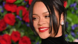 Rihanna Masuk Daftar Perempuan Terkaya versi Forbes