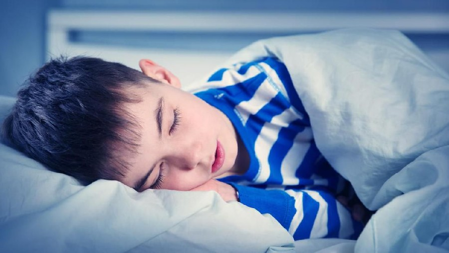 Pendidikan Seks untuk Anak: Hindari Tidur Tengkurap, Ini Alasannya