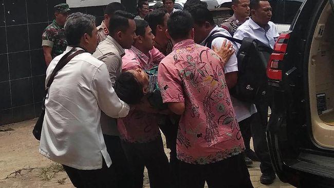 LPSK menyatakan bakal menanggung biaya perawatan menkopolhukam di RSPAD karena Wiranto merupakan korban tindak pidana terorisme.
