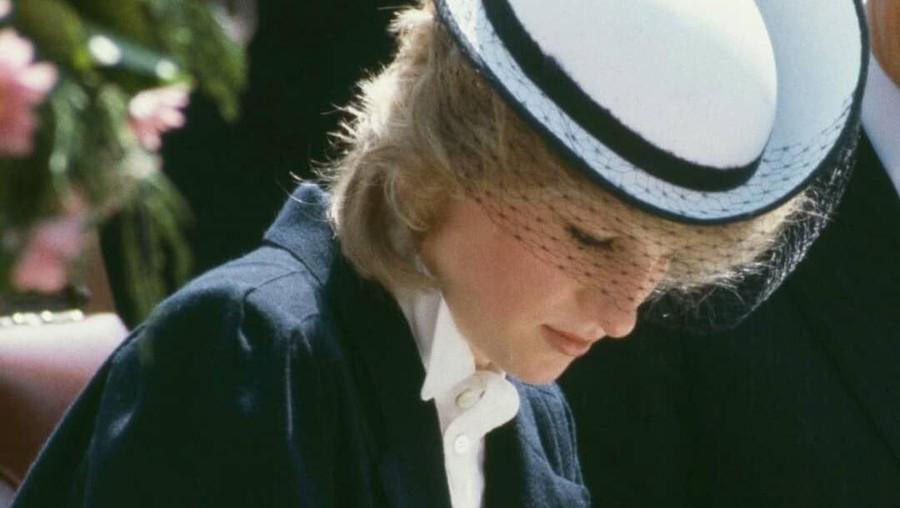 Gaun Hitam Pembawa Sial Putri Diana & Pangeran Charles