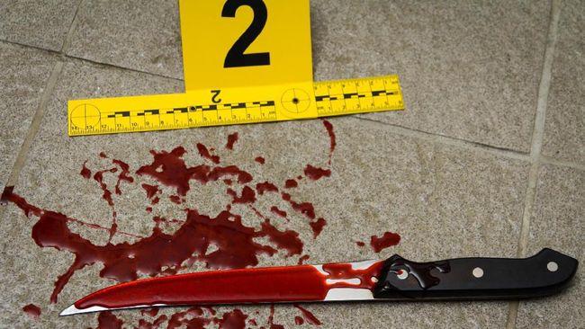 Sejauh ini, Kepolisian London menyatakan seorang pria berusia 70 tahun menjadi korban penusukan.