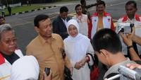 <p>Di berbagai acara negara, Menkopolhukam Wiranto mengajak sang istri, Rughaiyah Usman atau disapa Uga Wiranto. (Foto: Facebook/ Uga Wiranto)</p>