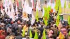 VIDEO: Ratusan Petani Demo, Jalan Menuju Istana Ditutup
