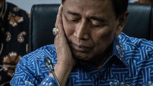 Aktris Christine Hakim prihatin mendengar kabar Wiranto ditusuk saat berkunjung ke Pandeglang, dan berharap Indonesia bisa jadi negara yang damai.