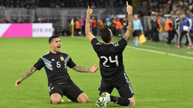 Timnas Jerman harus puas bermain imbang 2-2 melawan timnas Argentina dalam laga uji coba di Stadion Signal Iduna Park, Dortmund, Kamis (10/10) dini hari WIB.