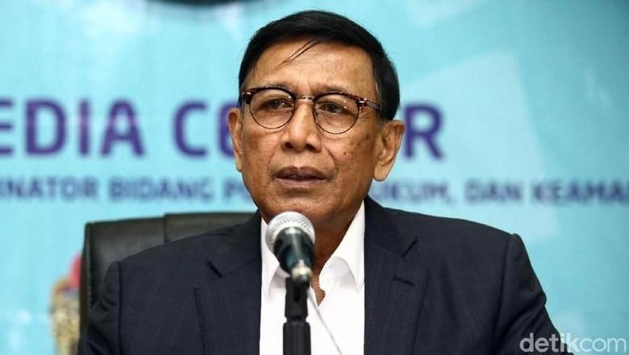 Wiranto Tiba di RSPAD Gatot Subroto