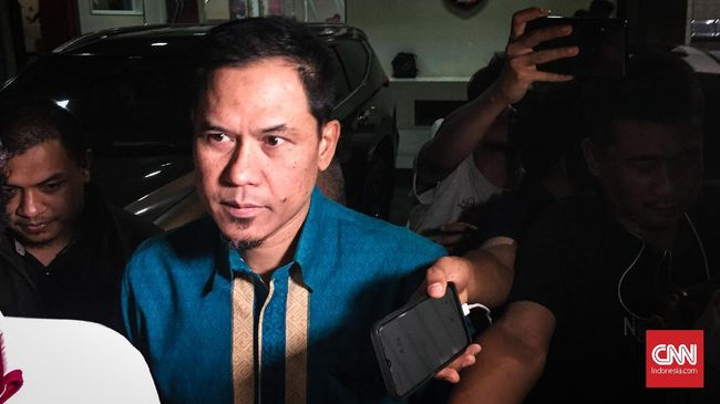 Pengacara menyebut perempuan di video 'Balada Cinta Sekjen FPI' yang viral di media sosial merupakan istri kedua Munarman.